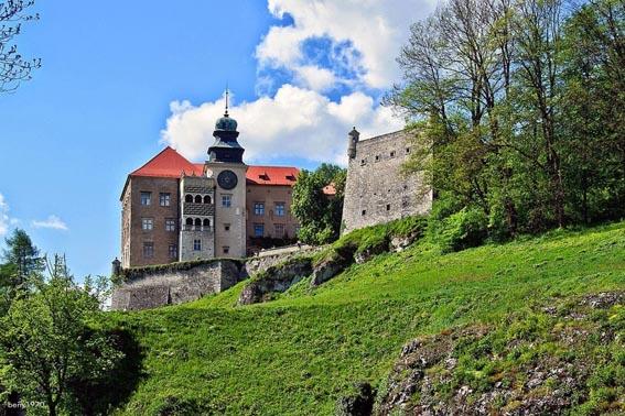 Zamek Pieskowa Skała w Sułoszowej