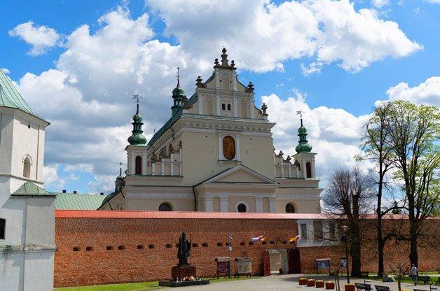 Sanktuarium i Klasztor Ojców Bernardynów w Leżajsku